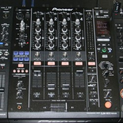 pioneer-cdj-2000-and-djm-900