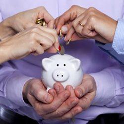 the-startup-money-hunt-when-entrepreneurs-bring-in-investors-infographic
